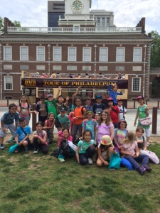 All the kids from PS 33 4th grade G&T in front of Constitution Hall in Philadelphia.